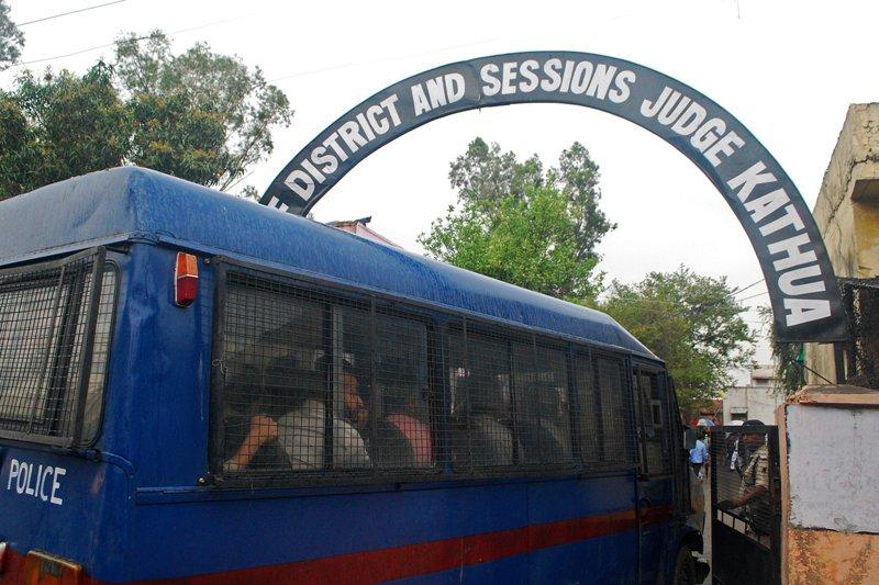 https: img-k.okeinfo.net content 2018 04 16 18 1887422 pengadilan-india-mulai-adili-delapan-terdakwa-pemerkosa-anak-MN2olFyKFq.JPG