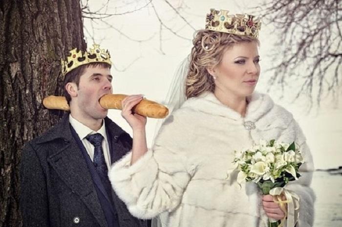 https: img-k.okeinfo.net content 2018 04 16 196 1887098 unik-6-foto-pernikahan-di-rusia-ini-bikin-geleng-geleng-pVrAleMOUo.jpg
