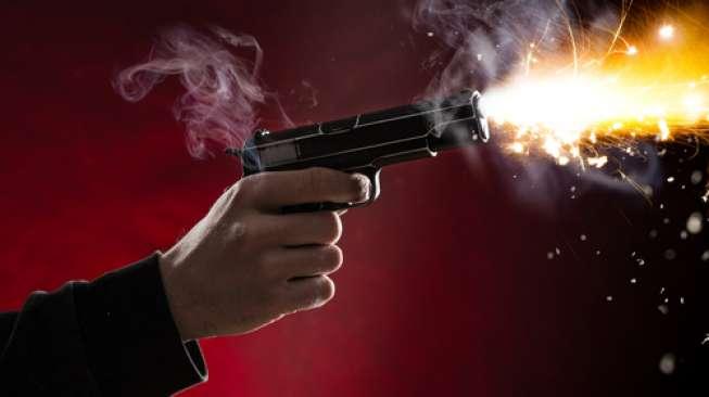 https: img-k.okeinfo.net content 2018 04 16 338 1887463 rebut-senpi-polisi-bandar-sabu-tewas-ditembak-di-kemayoran-V9PYivstpg.jpg