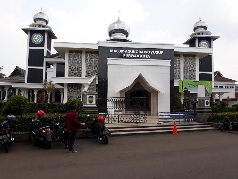 https: img-k.okeinfo.net content 2018 04 17 406 1887819 masjid-agung-baing-yusuf-bukti-penyebaran-islam-di-tanah-purwakarta-7zfAB7vbEj.jpg