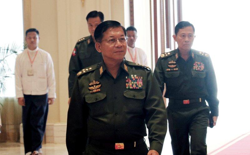 https: img-k.okeinfo.net content 2018 04 19 18 1888996 ungkit-pembunuhan-rohingya-jenderal-myanmar-tentara-tidak-kebal-hukum-EDT2ZqGbBr.JPG