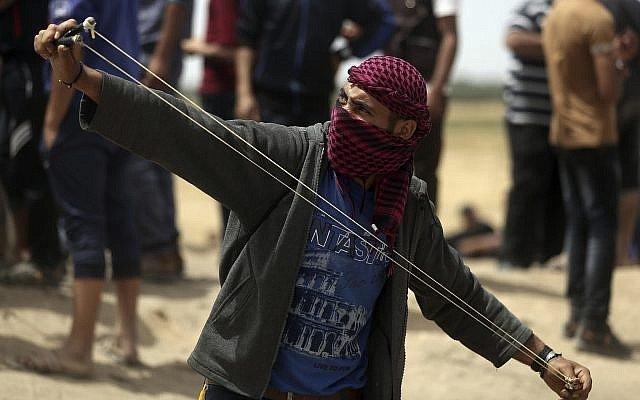 https: img-k.okeinfo.net content 2018 04 21 18 1889712 tentara-israel-tewaskan-empat-orang-tewas-pada-pekan-ketiga-demonstrasi-di-gaza-voOMRuc28m.jpg
