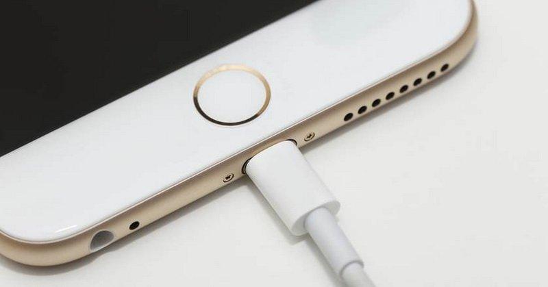 https: img-k.okeinfo.net content 2018 04 21 57 1889771 tips-bikin-baterai-smartphone-jadi-lebih-irit-hingga-apple-bakal-produksi-2-ponsel-berpanel-lcd-DGWNHl1YyS.jpg