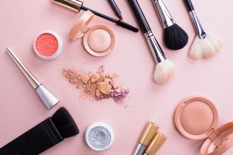 https: img-k.okeinfo.net content 2018 04 26 194 1891750 tips-bersihkan-spons-make-up-agar-wajah-terhindar-dari-jerawat-ZD1PQYoQtS.jpg