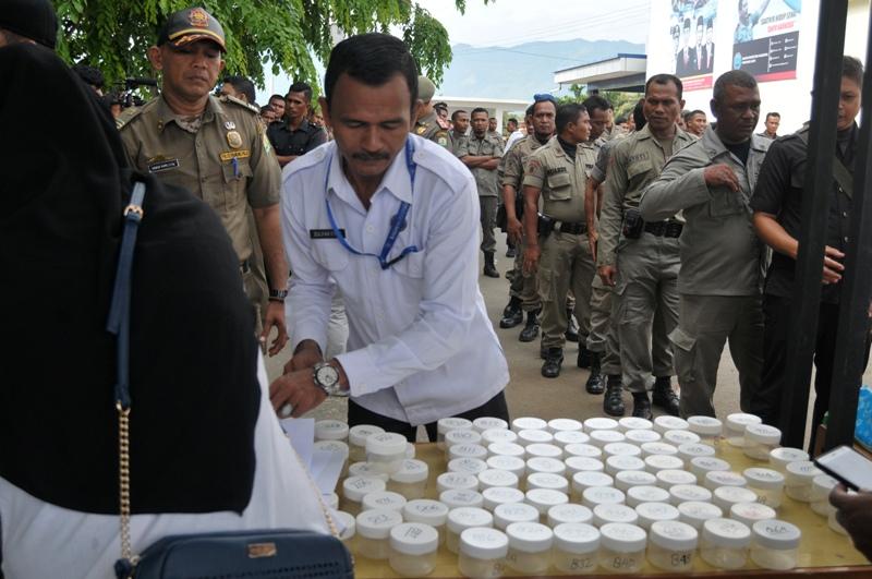 https: img-k.okeinfo.net content 2018 04 30 340 1893036 ratusan-polisi-syariah-di-aceh-dites-urine-apa-hasilnya-0FoFN0rPXP.jpg