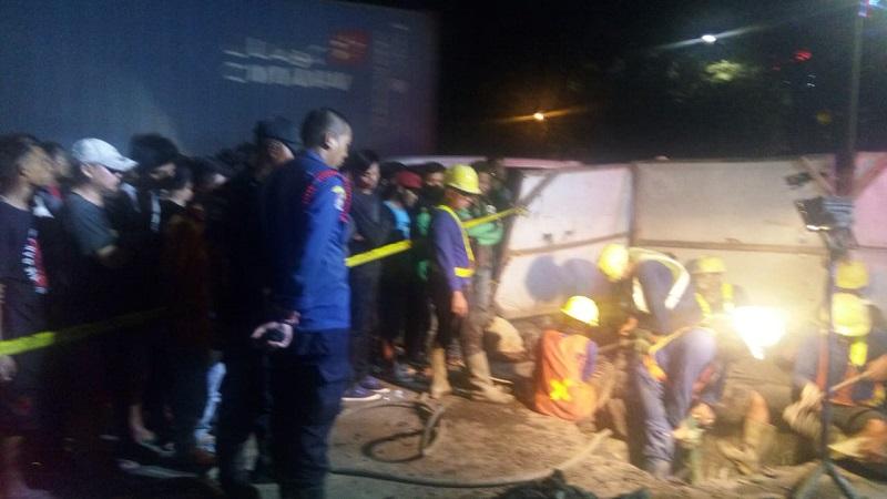 https: img-k.okeinfo.net content 2018 05 02 338 1893404 pekerja-proyek-9-jam-terjebak-di-gorong-gorong-pluit-petugas-masih-evakuasi-fDcNAYGX5j.jpg