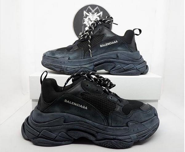 https: img-k.okeinfo.net content 2018 05 05 194 1894766 intip-3-sneakers-high-end-paling-diburu-kids-zaman-now-salah-satunya-balenciaga-2iLTMsH8DS.png