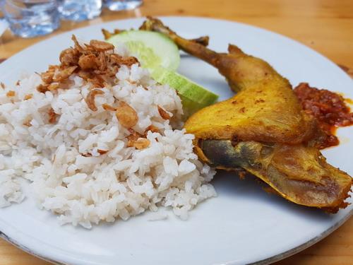 https: img-k.okeinfo.net content 2018 05 14 298 1898096 4-kuliner-indonesia-dijamin-kamu-ketagihan-u6Fg7W2gFt.jpg
