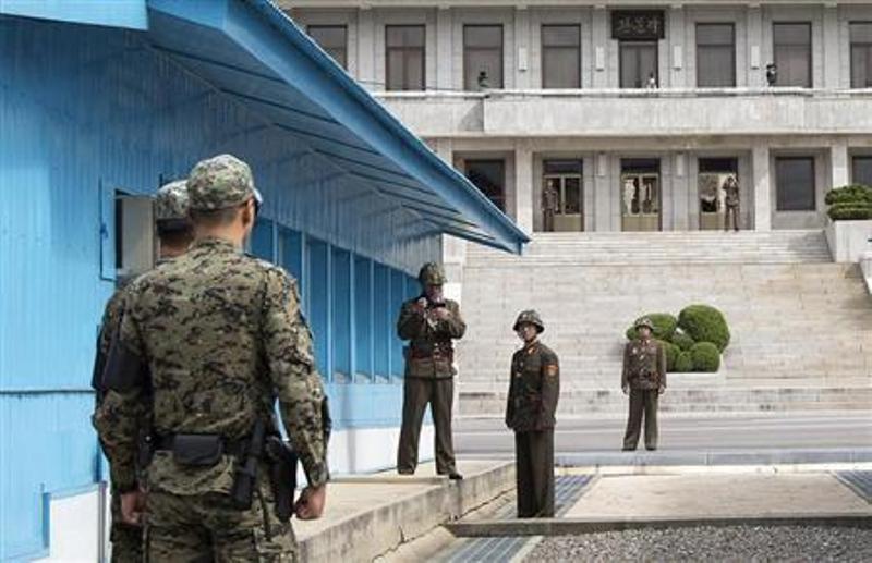 https: img-k.okeinfo.net content 2018 05 16 18 1898864 gara-gara-latihan-militer-korut-ancam-batalkan-pertemuan-trump-kim-jong-un-CLLPWtwYko.jpg