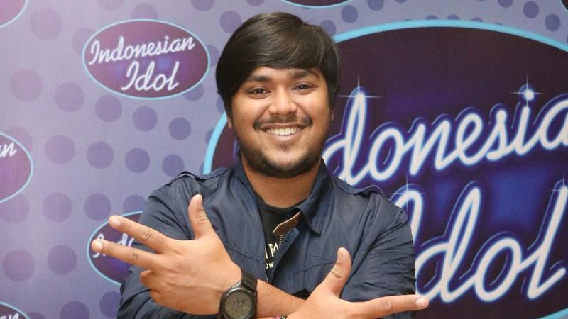 https: img-k.okeinfo.net content 2018 05 16 205 1899216 lulus-dari-indonesian-idol-2018-abdul-idol-coba-tulis-lagu-sendiri-ZKyoKSkOhF.jpg