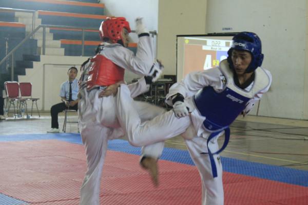 https: img-k.okeinfo.net content 2018 05 16 65 1899066 uns-juara-umum-taekwondo-indonesia-2018-Dpnxx8T8iX.jpg