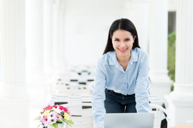 https: img-k.okeinfo.net content 2018 05 17 12 1899560 tips-cerdik-taklukkan-padatnya-aktivitas-di-kantor-dan-tetap-percaya-diri-H5H0XvwNI7.jpg