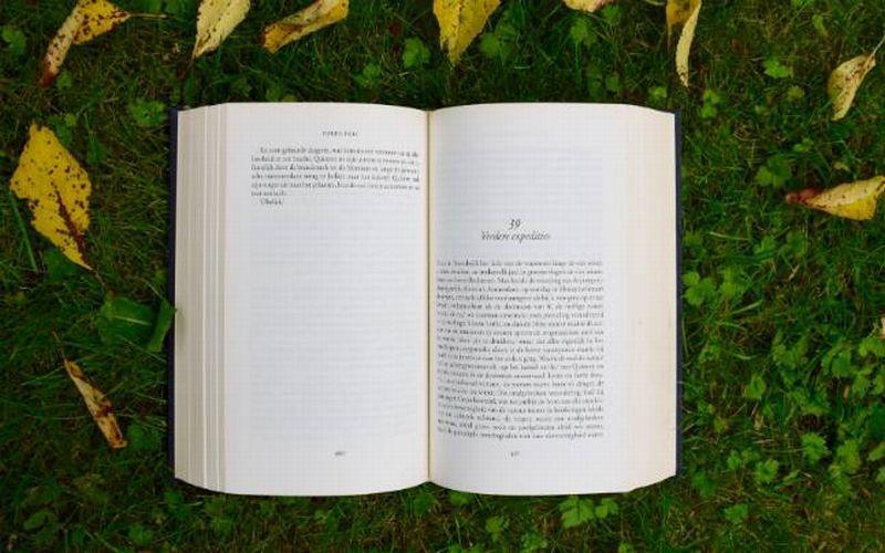 https: img-k.okeinfo.net content 2018 05 17 196 1899464 dari-yang-termahal-hingga-terbesar-ini-5-buku-paling-unik-di-dunia-HM0ESCBSXX.jpg