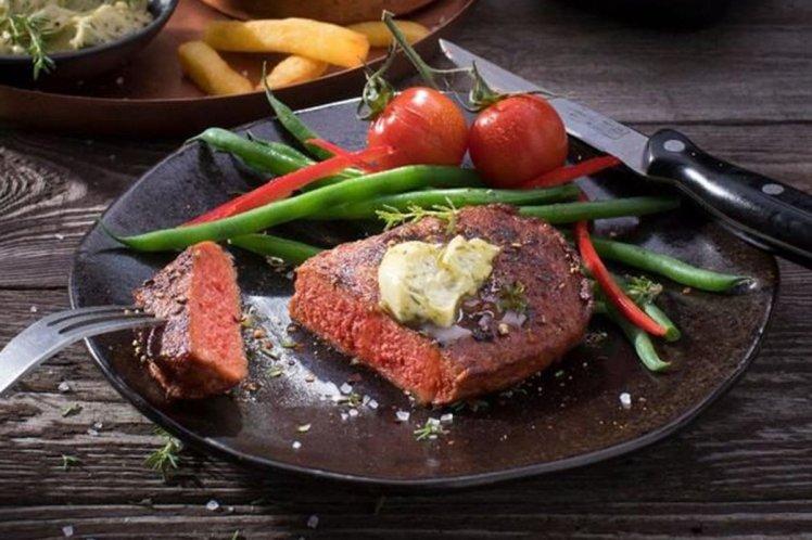 https: img-k.okeinfo.net content 2018 05 17 298 1899453 jangan-terkecoh-daging-steak-ini-dari-gandum-dan-kacang-kedelai-Nkdi1rRXUl.jpg