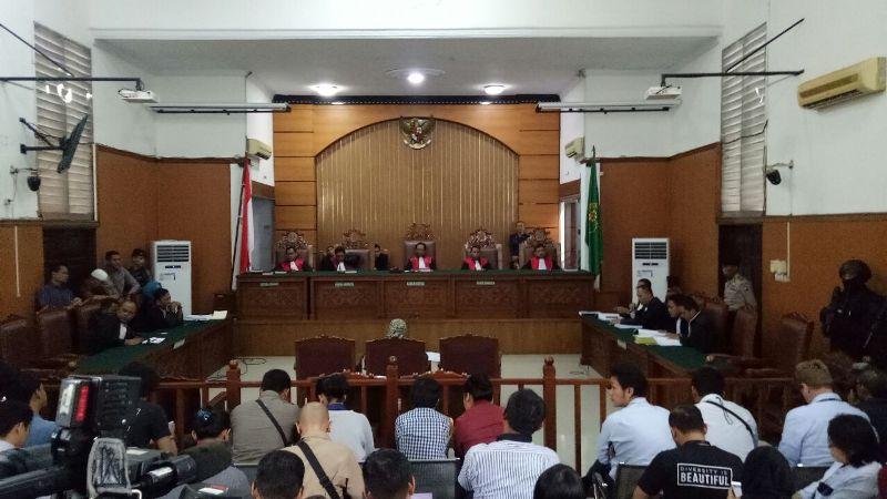 https: img-k.okeinfo.net content 2018 05 25 338 1902559 pengacara-klaim-aman-abdurahman-bukan-dalang-aksi-teror-di-indonesia-opn3ZQWkDR.jpeg