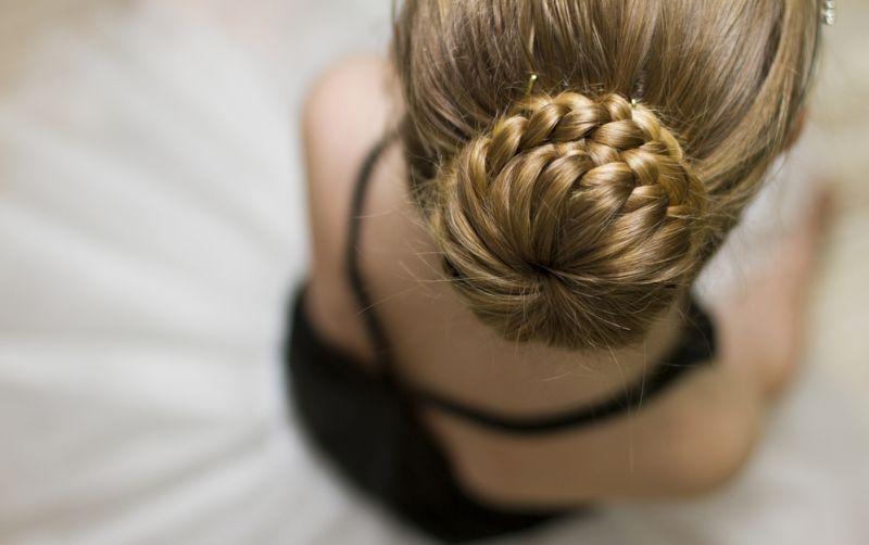 https: img-k.okeinfo.net content 2018 05 26 194 1903141 tampil-semakin-cantik-dengan-hair-bun-cocok-untuk-acara-buka-puasa-SCuoWfnSnU.jpg