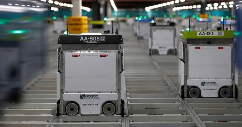 https: img-k.okeinfo.net content 2018 06 01 56 1905311 robot-bantu-percepat-pengiriman-barang-untuk-pelanggan-PIhHY5qmQ5.jpg
