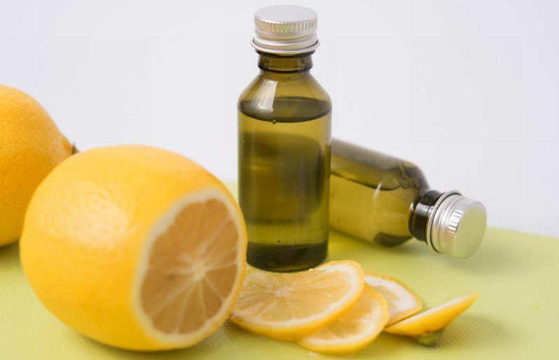 https: img-k.okeinfo.net content 2018 06 05 481 1907031 serum-vitamin-c-mampu-percantik-kulit-wajah-coba-buat-sendiri-deh-uGHEIGHVcI.jpg