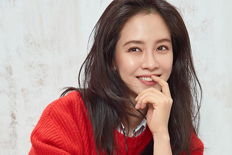https: img-k.okeinfo.net content 2018 06 05 598 1906643 song-ji-hyo-pastikan-comeback-lewat-drama-lovelly-horribly-4Dxrn1DX98.jpg