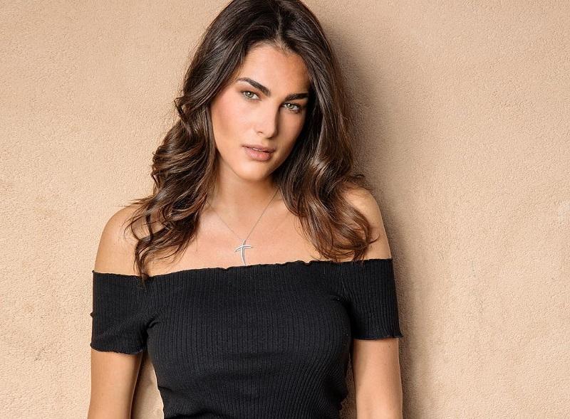 https: img-k.okeinfo.net content 2018 06 07 194 1907837 cantik-dan-seksinya-francesca-novello-kekasih-baru-valentino-rossi-6epsM1wYUt.jpg