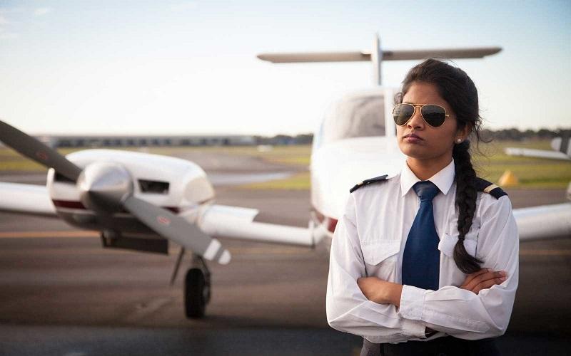 https: img-k.okeinfo.net content 2018 06 11 406 1909254 maskapai-penerbangan-wajib-perbanyak-pilot-wanita-ini-alasannya-Z0SZ86HePi.jpg