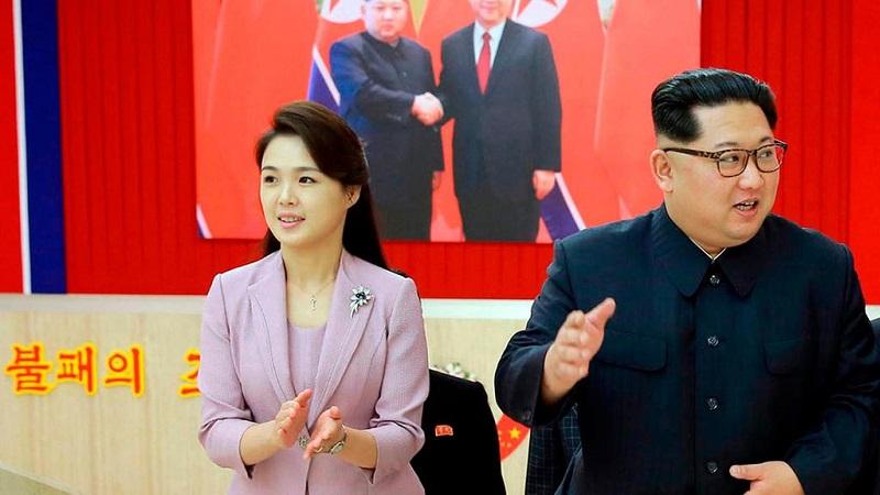 https: img-k.okeinfo.net content 2018 06 12 194 1909558 5-gaya-tampilan-istri-kim-jong-un-yang-sederhana-tapi-super-elegan-CDsIvon7AV.jpg