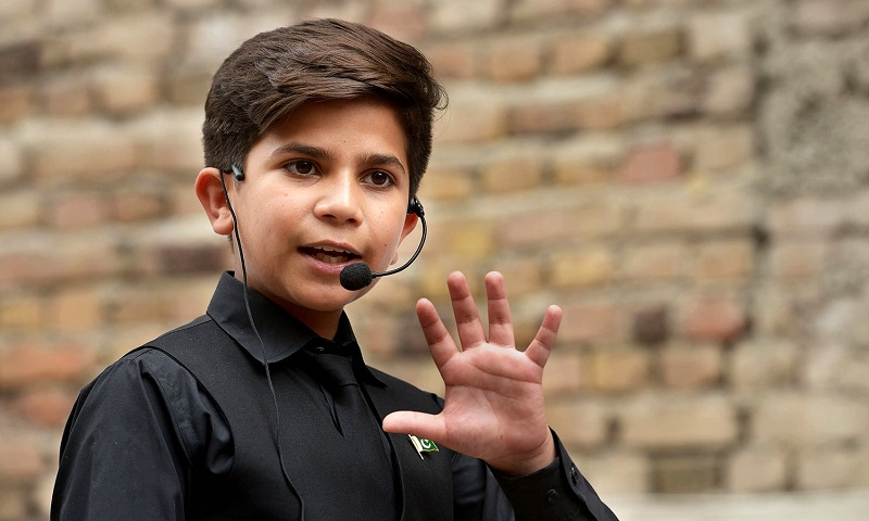 https: img-k.okeinfo.net content 2018 06 12 196 1909528 bocah-11-tahun-ini-sudah-jadi-motivator-handal-dunia-pengalamannya-jangan-diragukan-lagi-WOTH8kVyjr.jpg