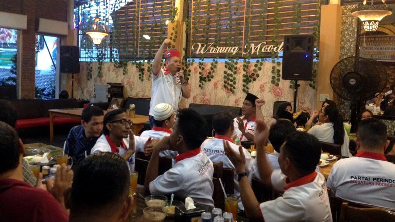 https: img-k.okeinfo.net content 2018 06 12 340 1909603 safari-ramadan-perindo-sumut-fokus-penguatan-bakal-caleg-D2GmUaOP41.jpg