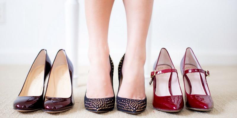 https: img-k.okeinfo.net content 2018 06 12 481 1909509 meski-tambah-cetar-perhatikan-hal-hal-ini-saat-pilih-sepatu-untuk-lebaran-biar-enggak-gampang-pegal-F7bx0WDtIr.jpg