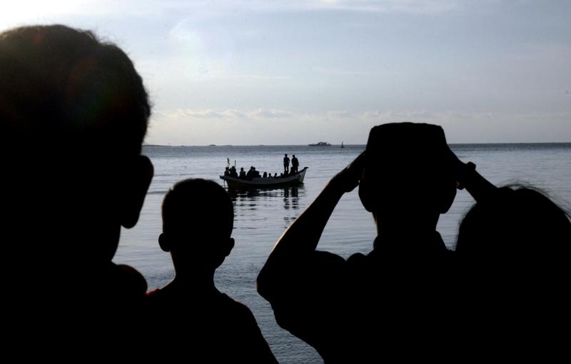 https: img-k.okeinfo.net content 2018 06 14 340 1910324 nakhoda-kapal-tenggelam-di-makassar-jadi-tersangka-terancam-10-tahun-penjara-yBWBG2btQo.jpg