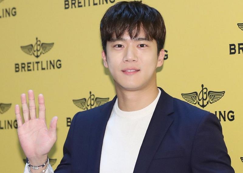 https: img-k.okeinfo.net content 2018 06 28 206 1915404 ha-seok-jin-ungkap-perbedaan-drama-your-house-helper-dari-versi-webtoon-Rt1Awayp6U.jpg