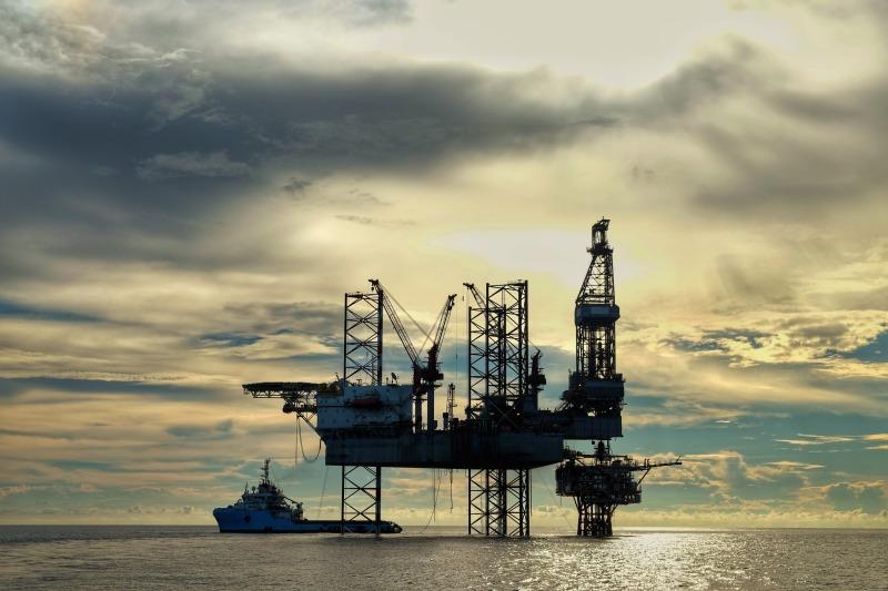 https: img-k.okeinfo.net content 2018 06 29 320 1915525 harga-minyak-naik-di-tengah-kekhawatiran-sanksi-as-Ishcwn4ASz.jpg