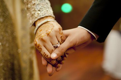 https: img-k.okeinfo.net content 2018 07 02 196 1916566 girls-kebiasaan-ini-akan-berubah-ketika-sahabat-kamu-menikah-93oS7gmxoF.jpg