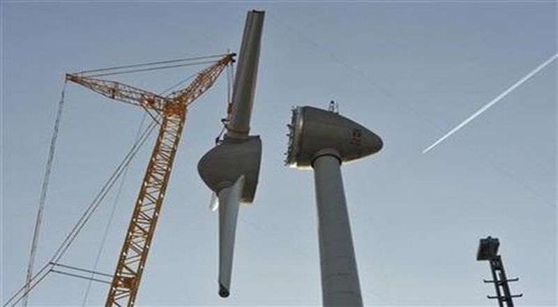 https: img-k.okeinfo.net content 2018 07 02 320 1916481 diresmikan-jokowi-ri-miliki-pembangkit-listrik-tenaga-angin-terbesar-di-asean-gsVonxbuiC.jpg