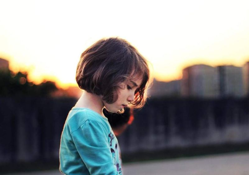 https: img-k.okeinfo.net content 2018 07 04 481 1917631 ternyata-media-sosial-bikin-banyak-anak-yang-merasa-kesepian-8UWvVzGGbO.jpg