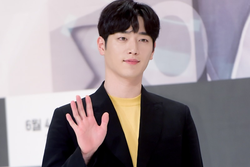 https: img-k.okeinfo.net content 2018 07 05 598 1918317 seo-kang-joon-pastikan-comeback-lewat-drama-the-third-charm-BrMBW1Si3j.jpg