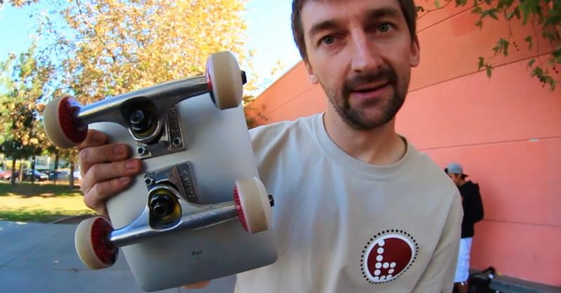 https: img-k.okeinfo.net content 2018 07 07 57 1919316 apple-ipad-dijadikan-skateboard-mampukah-bertahan-DAHK0qprZk.jpg
