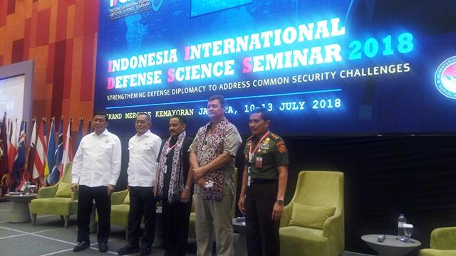 https: img-k.okeinfo.net content 2018 07 11 337 1921047 menhan-berharap-para-ulama-bantu-berantas-terorisme-di-indonesia-r3HlNlbU0c.jpg