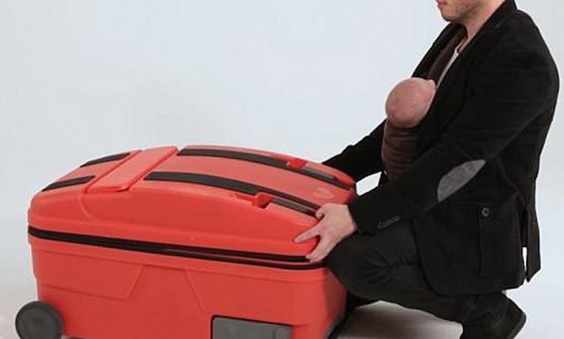 https: img-k.okeinfo.net content 2018 07 11 406 1921088 koper-multifungsi-untuk-temani-ibu-traveling-bisa-jadi-stroller-hingga-bathup-bayi-2N9WaSj8Eg.jpg