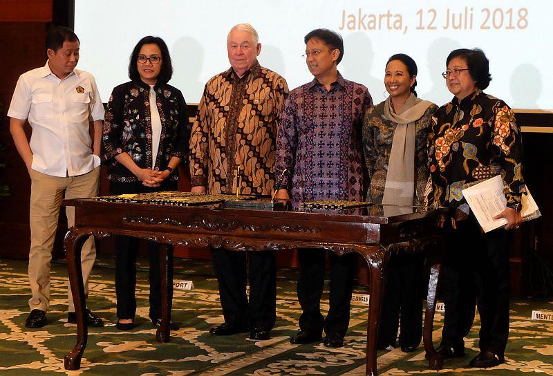 https: img-k.okeinfo.net content 2018 07 12 320 1921614 negosiasi-6-5-tahun-adkerson-akui-kegigihan-indonesia-ambil-alih-saham-freeport-TUuQ5qjIi3.jpg
