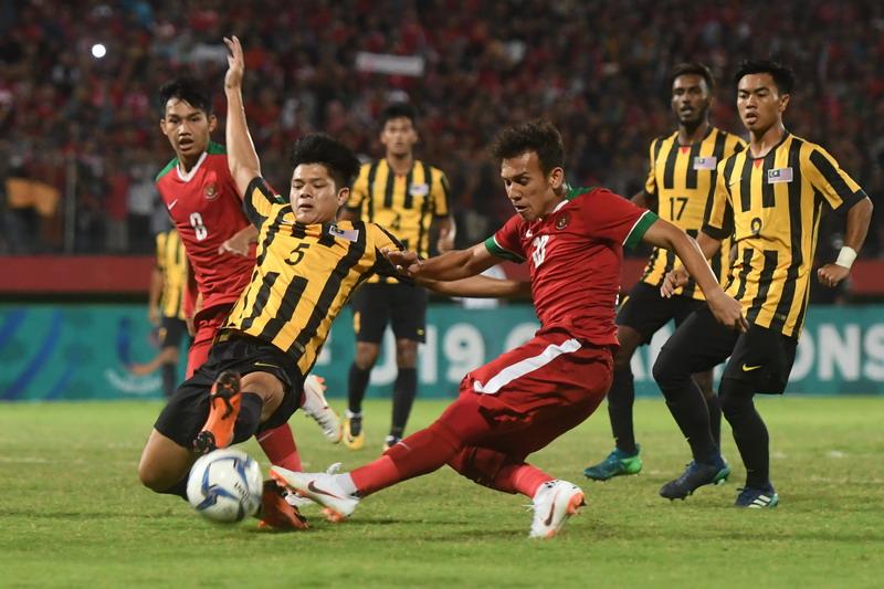 https: img-k.okeinfo.net content 2018 07 12 51 1921640 imbang-1-1-timnas-indonesia-u-19-vs-malaysia-berlanjut-ke-adu-penalti-jHA7gSq9j3.jpg