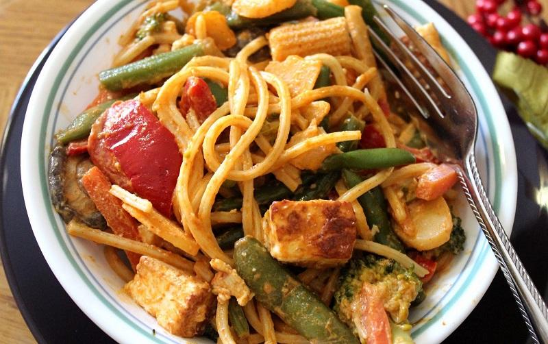 https: img-k.okeinfo.net content 2018 07 13 298 1922071 spaghetti-saus-kari-menu-makan-malam-praktis-usir-perut-keroncongan-WODccm7qwi.jpg