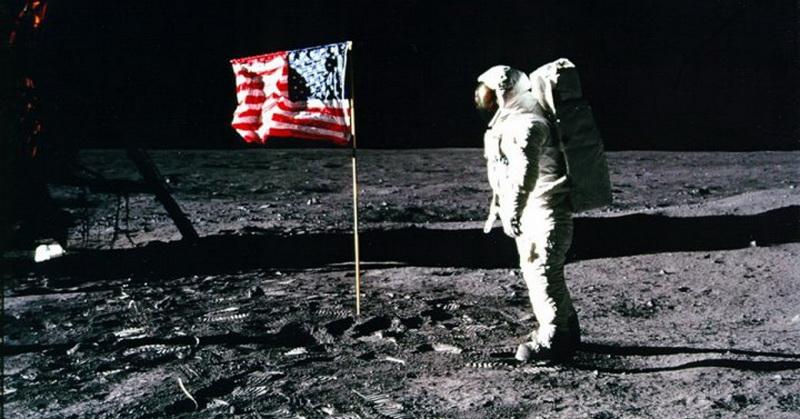 https: img-k.okeinfo.net content 2018 07 13 56 1922105 mengenang-apollo-11-misi-luar-angkasa-bawa-manusia-ke-bulan-PYWMrZJXBm.jpg