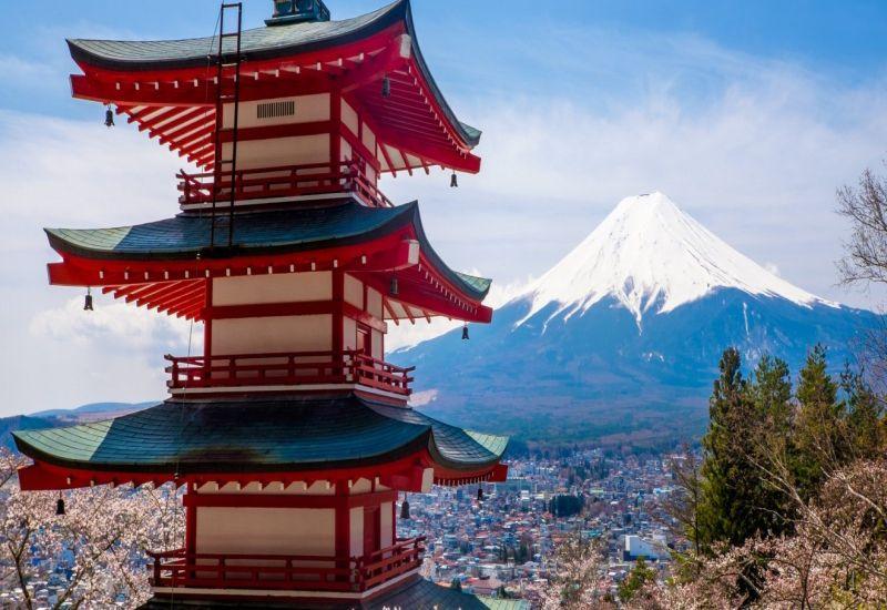 https: img-k.okeinfo.net content 2018 07 16 406 1922994 dijamin-berlibur-di-kota-yamanashi-wisatawan-muslim-tidak-akan-sulit-temukan-musala-sNGRLLxQyn.jpg