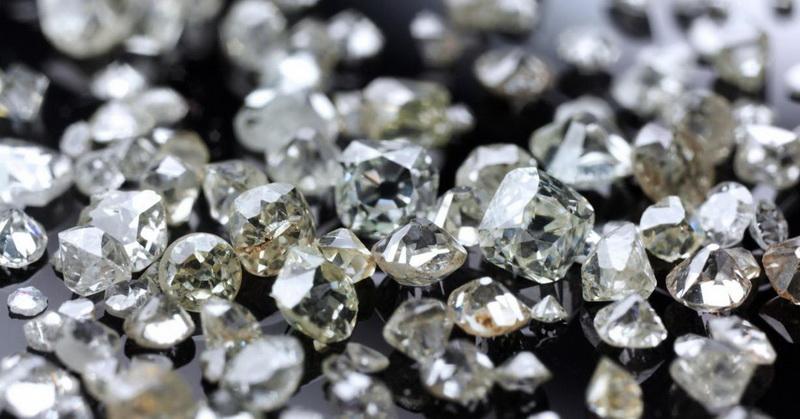 https: img-k.okeinfo.net content 2018 07 17 56 1923690 ilmuwan-temukan-timbunan-berlian-dengan-nilai-fantastis-Ayux8qpGgu.jpg