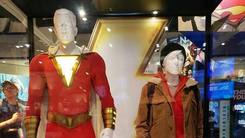 Mengintip Detail Kostum Shazam di San Diego Comic-Con 2018