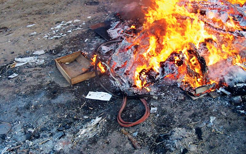 https: img-k.okeinfo.net content 2018 07 21 481 1925596 membakar-sampah-di-pekarangan-bahayakan-kesehatan-ini-penjelasannya-ky4SSiW4Uw.jpg