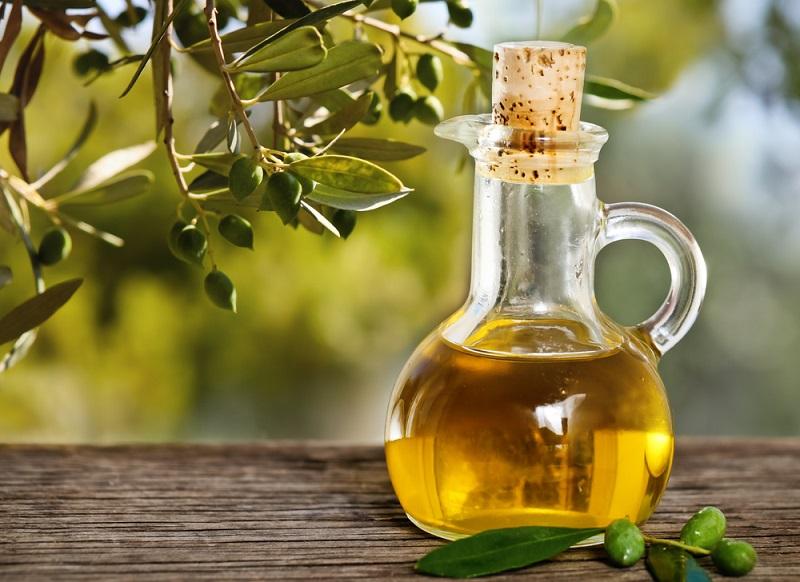 https: img-k.okeinfo.net content 2018 07 31 298 1929832 masak-dengan-minyak-zaitun-ini-nutrisi-yang-bisa-didapat-znGDmlQ8mL.jpg