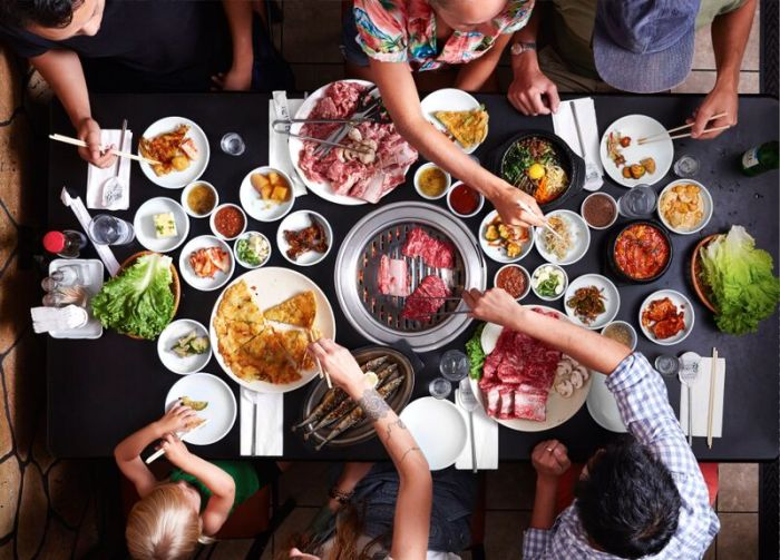 https: img-k.okeinfo.net content 2018 08 02 298 1930836 5-restoran-korea-enak-dan-halal-di-jakarta-nTtO3hznbN.jpg