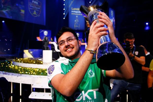 https: img-k.okeinfo.net content 2018 08 06 326 1932461 remaja-arab-saudi-menang-fifa-eworld-cup-berhadiah-rp3-6-miliar-9Vb3A3Kdwt.jpg